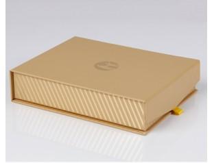 皮具包装盒设计