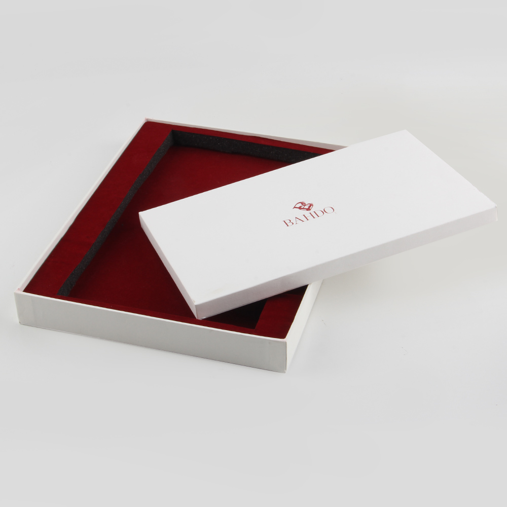 疫情期间首饰精装盒定做尽量避免选择复杂颜色